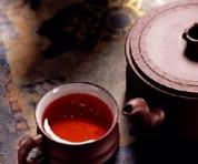 淡淡茶味中,涩涩往事上心头