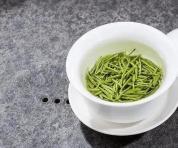 你真的会泡绿茶吗?绿茶冲泡重要技巧之烫杯